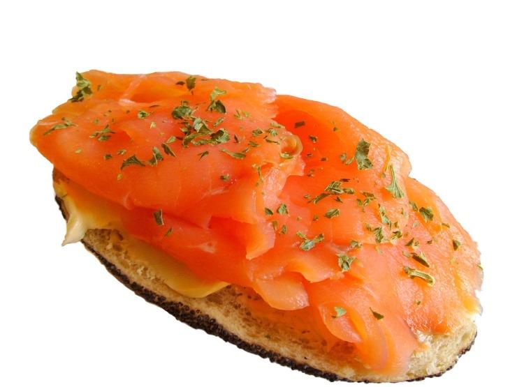 salmon-bun-1131_960_720