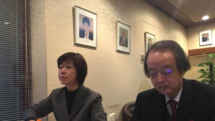1-圖說:峯島朋子事務局長(左)馬場鍊成理事長(右)